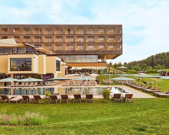 Loisium Wine & Spa Resort Südsteiermark - Straß in Steiermark - Gebäude