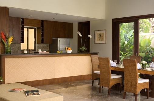 Mahagiri Villas Sanur - Denpasar - Front desk