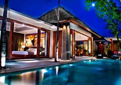 Mahagiri Villas Sanur - Denpasar - Pool