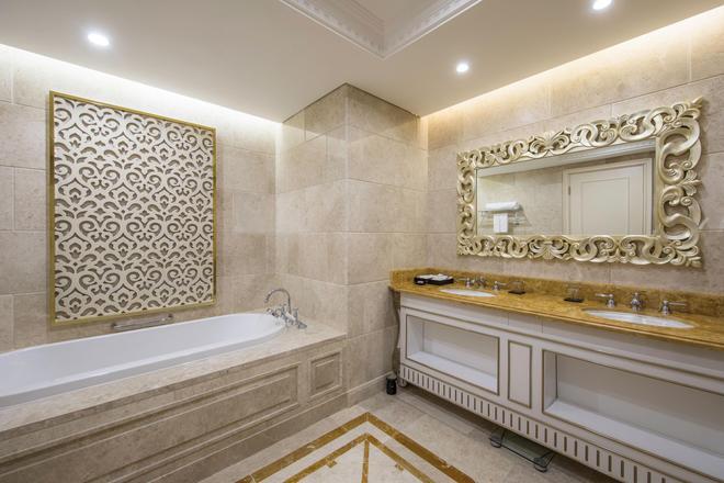 Vinoasis Phu Quoc - Phu Quoc - Bathroom
