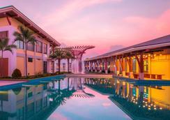Vinoasis Phu Quoc - Phu Quoc - Pool