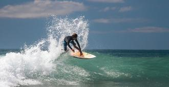 Jaco Surf Camps by Selina Surf Club - ג'אקו