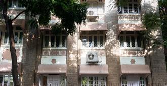 Bentleys Hotel Colaba - Mumbai - Building