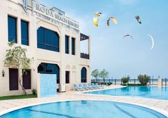 Roda Beach Resort - Dubai - Beach