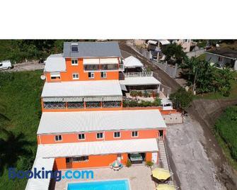 Villa Titine - La Trinité - Gebouw