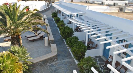 Petinaros Hotel - Mykonos - Outdoors view