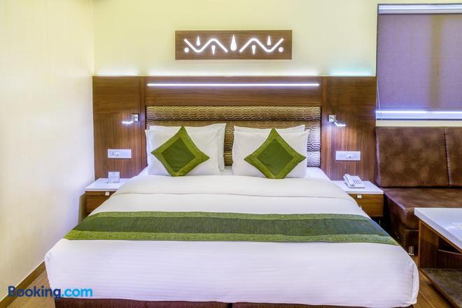 Treebo Trend Ambassador - Ahmedabad - Bedroom