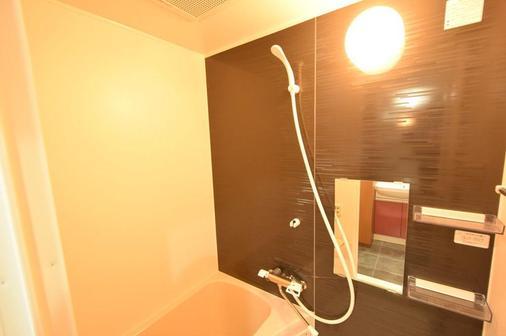 Hotel Trad Osaka Tsuruhashi - Osaka - Bathroom