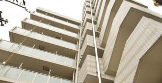 Hotel Trad - Osaka - Building