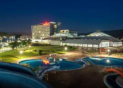 Hotel Hills Congress & Termal Spa Resort - ซาราเยโว - สระว่ายน้ำ