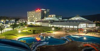 Hotel Hills Congress & Termal Spa Resort - Sarajevo - Piscina