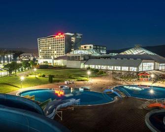 Hotel Hills Congress & Termal Spa Resort - Sarajevo - Zwembad