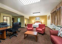 Quality Inn South - Colorado Springs - Makuuhuone