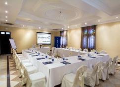 Golden Tulip Zanzibar Boutique Hotel - Zanzíbar - Sala de reuniones