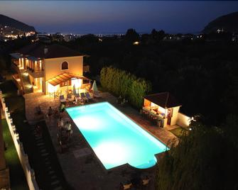 Sun Accommodation - Skopelos - Pool