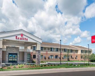 Ramada by Wyndham Minneapolis Golden Valley - Golden Valley - Building