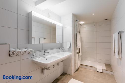 Landgasthaus Zum Hirschen - Gebenstorf - Bathroom