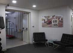 Home Club Suite Hotel - Cosenza - Sala de estar
