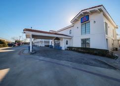 Motel 6 Grand Prairie Interstate 30 - Grand Prairie - Rakennus