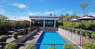 S Park Design Hotel - Vientiane - Piscine