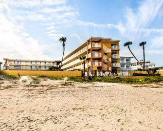 Quality Inn Oceanfront - Ormond Beach - Building