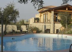 Residence Ca' del Lago - Торри-дель-Бенако - Бассейн
