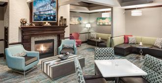 Residence Inn by Marriott Kansas City Country Club Plaza - Cidade do Kansas - Lounge
