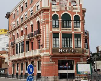 Hotel Marina - Рібадеселья - Building