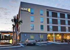 Home2 Suites by Hilton Tampa USF Near Busch Gardens - Tampa - Building