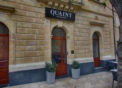 Quaint Hotel Sannat - Sannat - Building