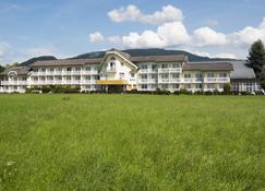 Momentum Hotel - Anif - Edificio