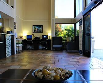 Best Western Plus Sonora Oaks Hotel & Conference Center - Sonora - Лоббі