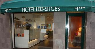 萊德錫切斯酒店 - 錫切斯 - 錫切斯