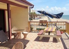 Capri Beach Hotel - Corpus Christi - Balkon