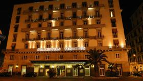 Starhotels Terminus - Naples - Building