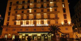 Starhotels Terminus - נאפולי - בניין