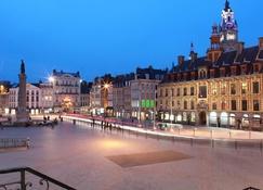 Hotel De La Paix - Lille - Vista externa