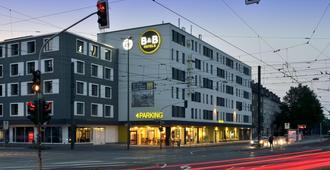 B&B Hotel Düsseldorf - Mitte - דיסלדורף - בניין