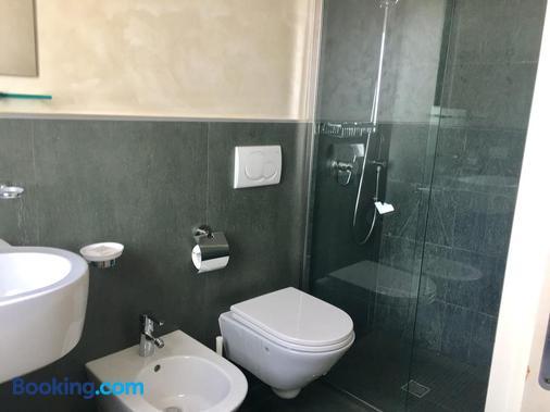 Hotel Joli - San Marino - Bathroom