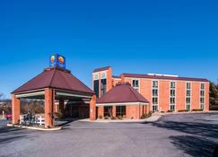 Comfort Inn Virginia Horse Center - Lexington - Κτίριο