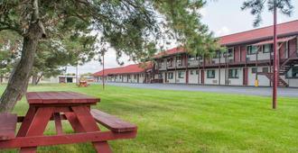 Econo Lodge Buffalo South - Buffalo - Cảnh ngoài trời
