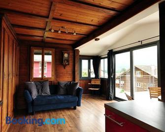 Lake View Chalet - Bonigen - Wohnzimmer