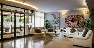 Hotel Executive - סיינה - לובי