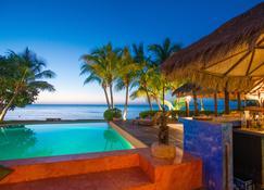 Laluna Hotel - Saint George's - Pool