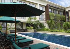 雨林瑞士貝爾酒店 - 庫塔 - 庫塔 - 游泳池