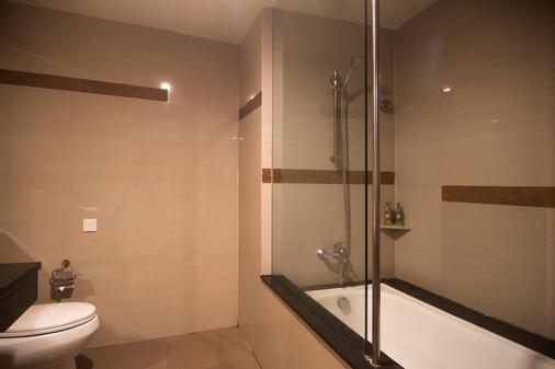 雨林瑞士貝爾酒店 - 庫塔 - 庫塔 - 浴室