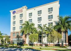 Comfort Suites Miami Airport North - Miami Springs - Edificio