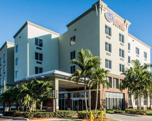 Comfort Suites Miami Airport North - Miami Springs - Building