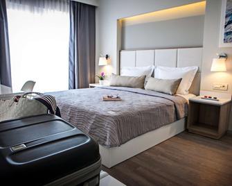 Olympic Star Beach Hotel - Neoi Poroi - Bedroom