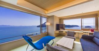 Hotel Ofutei - Fukuyama - Balcony